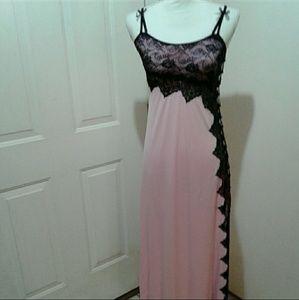🌺 NWOT Lovely Rhonda Shear Nightgown/Neglige